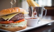 Burger_at_Maldron_Hotel_Portlaoise